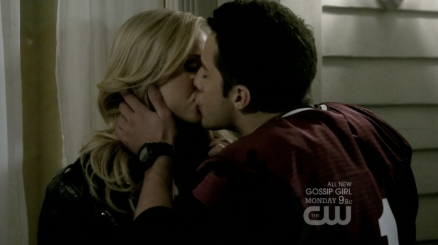 Those puckered lips look a lot like Caroline being an active participant.
