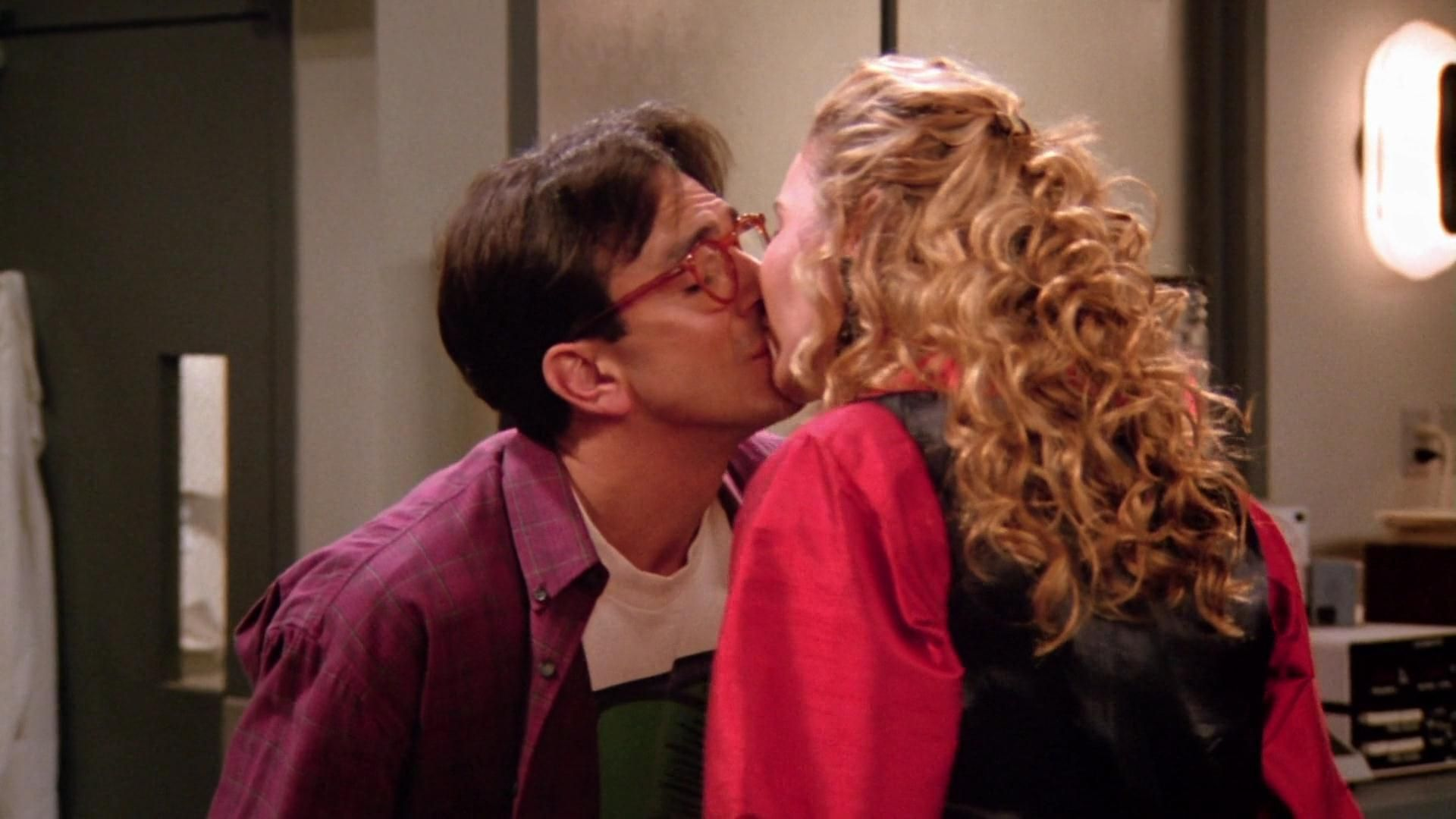 first kiss before dating